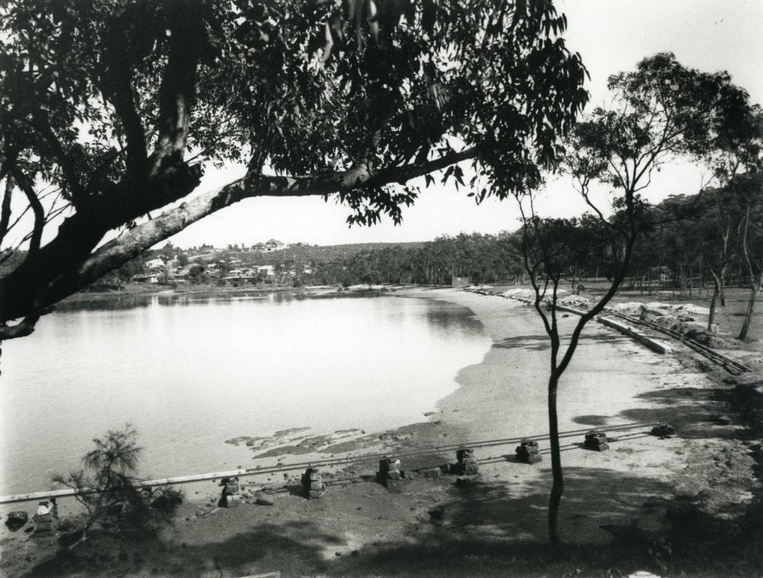 Carss Park tidal pool under construction. Georges River Libraries Collection.